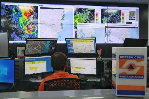 Todo território catarinense é coberto por uma rede de radares meteorológicos – Foto: DCSC/Divulgação/ND