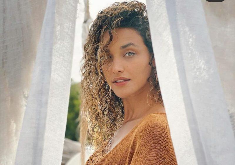 Débora Nascimento exibe beleza durante viagem com o namorado pexero – Foto: Reprodução Instagram
