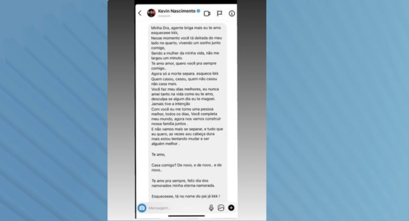 Deolane Bezerra mostra a mensagem de MC Kevin para a empresa que entregou a homenagem encomendada para ela no Dia dos Namorados – Foto: Reprodução/Redes Sociais