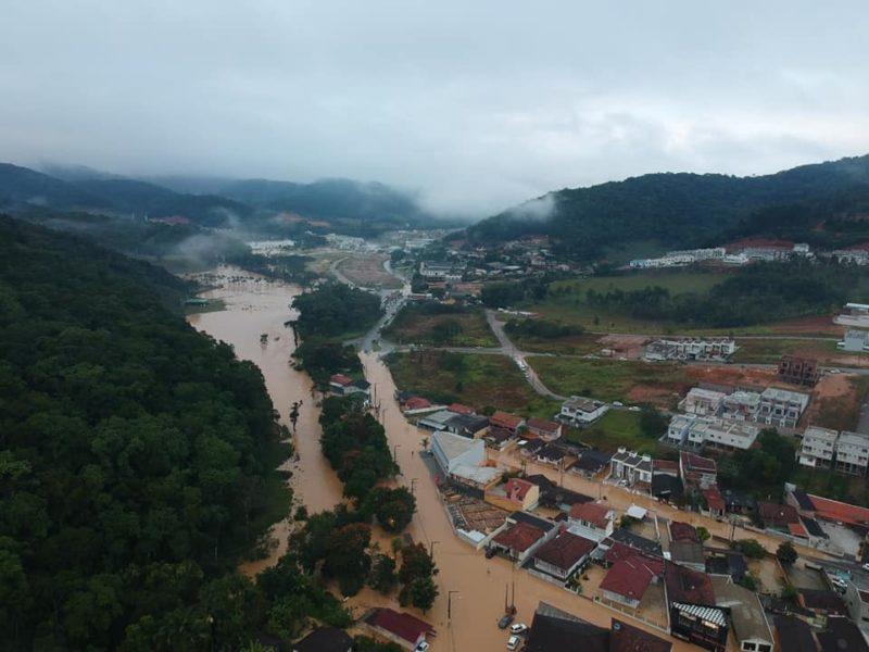 Forte chuva causa alagamentos em várias regiões de Brusque – Foto: Divulgação/Defesa Civil de Brusque/ND