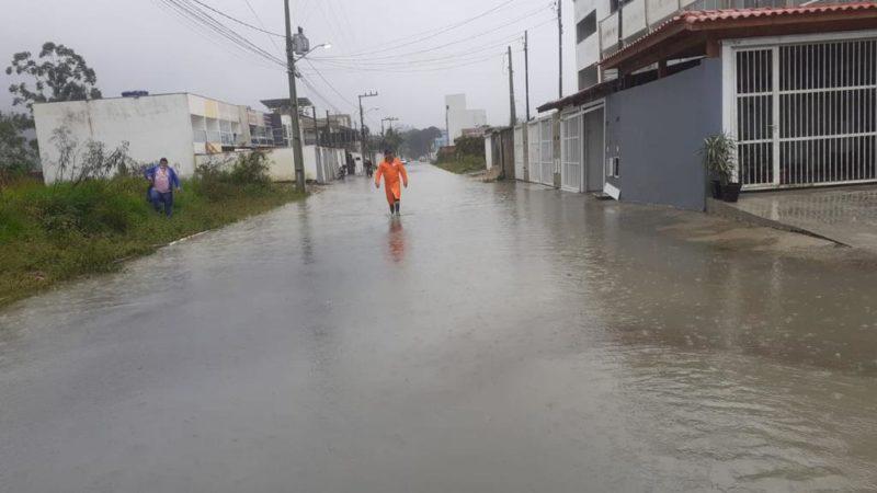 Diversas ruas de Camboriú registraram alagamento neste sábado (19) – Foto: Divulgação/Prefeitura de Camboriú/ND