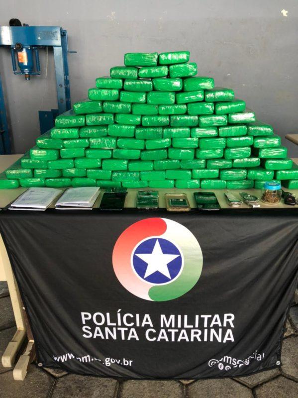 Foram apreendidos cerca de 60 Kg de maconha – Foto: PMSC/Divulgação