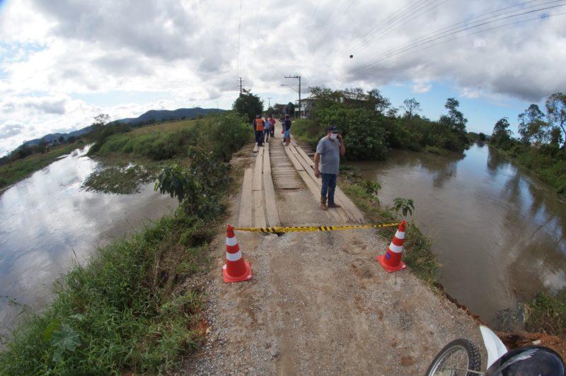 Defesa Civil alerta para mais chuva e deslizamentos em Itajaí – Foto: Marcos Porto/Prefeitura de Itajaí/Divulgação