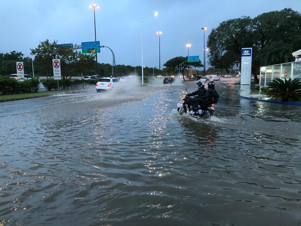 Florianópolis amanhece alagada nesta quarta-feira - Eduardo Cristófoli/NDTV