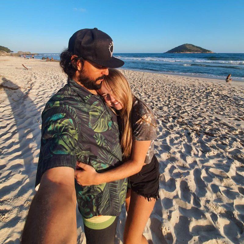 Rapper anunciou namoro com catarinense 27 anos mais nova – Foto: Reprodução/Redes sociais