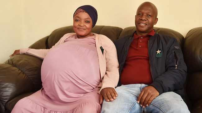 Mãe deu à luz 10 filhos no município de Tembisa. – Foto: Thobile Mathonsi/ANA/Reprodução