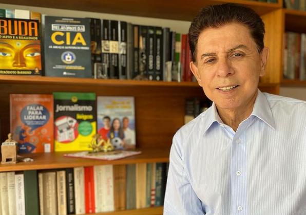 Heródoto Barbeiro tem mais de 50 anos de carreira, atuando como jornalista, professor e historiador – Foto: Reprodução/Instagram