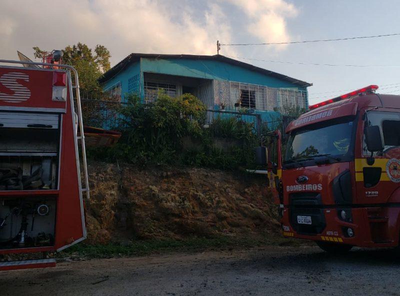 Homem é suspeito de agredir a mãe e iniciar incêndio – Foto: 9BBM/Divulgação