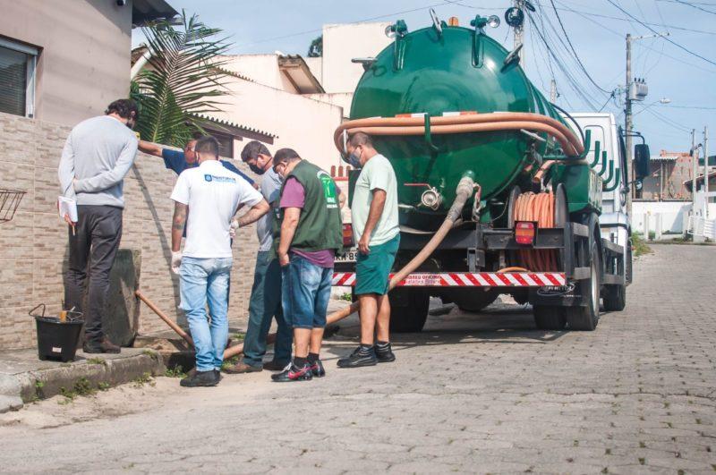 Extravasamento de fossa séptica pela falta de manutenção também é problema comum segundo força-tarefa – Foto: Tito Pereira/Floripa Se Liga Na Rede/ND