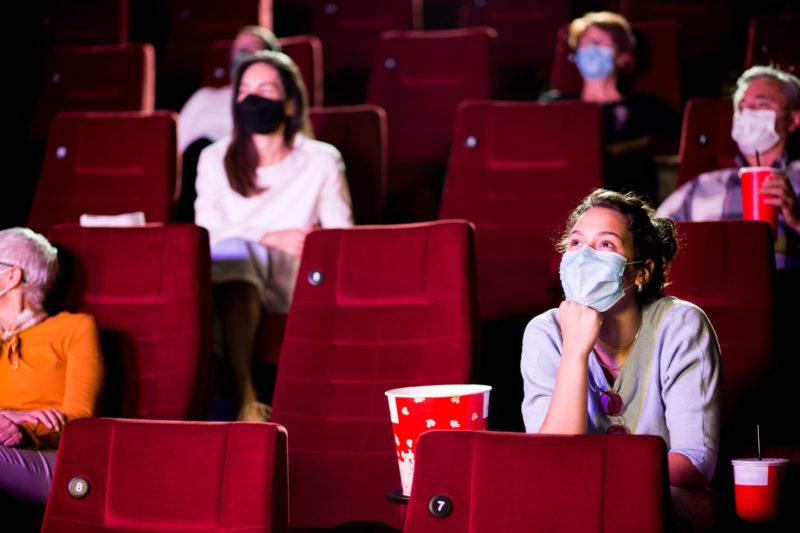 Cinemas de Florianópolis operam com capacidade reduzida e dentro das normas sanitárias – Foto: iStock/Divulgação
