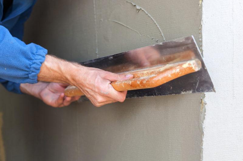 """<span style=""""font-weight: 400;"""">O reboco além de determinar o acabamento, também serve para dar proteção externa</span> &#8211; Foto: Divulgação"""