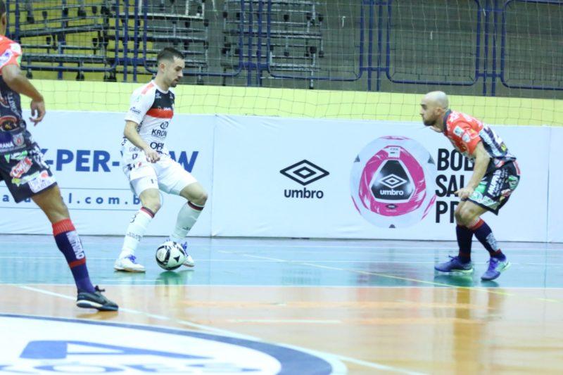 JEC/Krona foi goleado pelo Cascavel na noite de quarta-feira (9) na Liga Nacional – Foto: Juliano Schmidt/JEC/Krona/Divulgação/ND