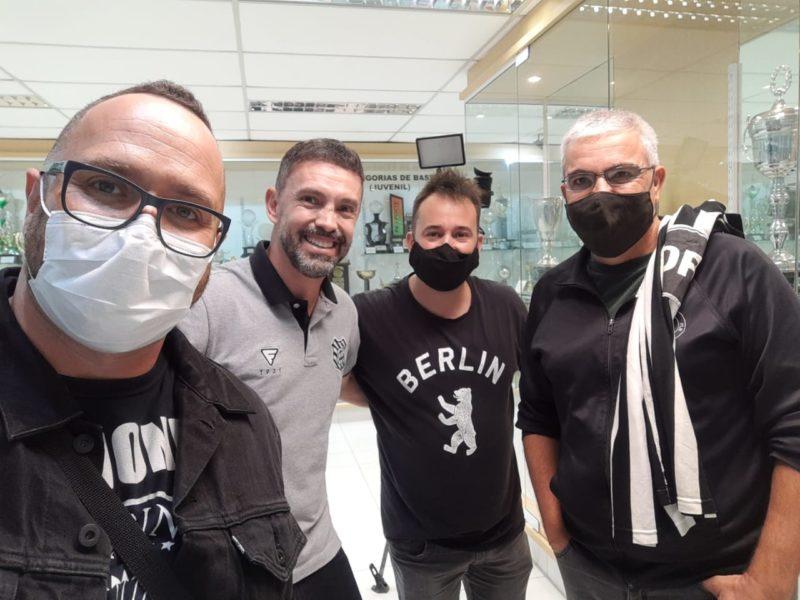 Marcelo, Fernandes, Gabriel Vieira e este colunista. Vale o registro – Foto: Marcelo Mancha/ND