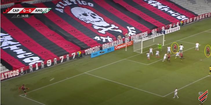 Bola parada ofensiva do Athletico – Foto: Reprodução/Furacão TV