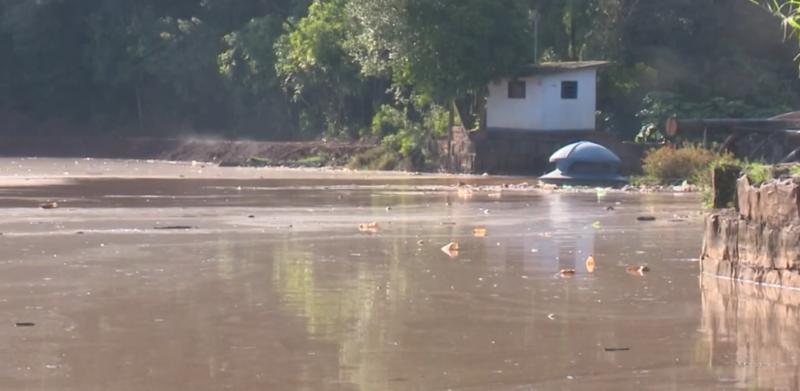 Após chuva, nível do Lajeado São José, em Chapecó, chega aos 90% – Foto: Reprodução/NDTV RecordTV