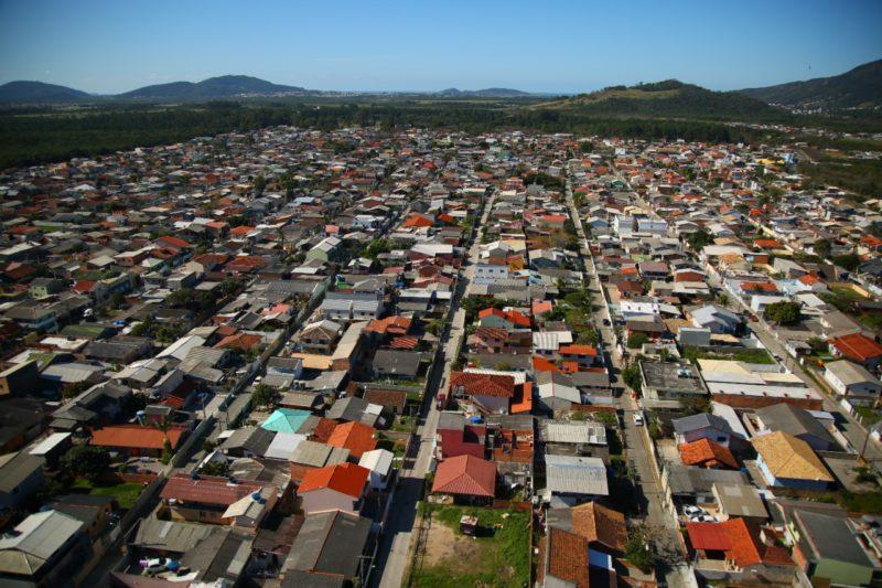 Trabalho já está em andamento com o cadastro das famílias interessadas em participar – Leonardo Sousa/PMF/Divulgação/ND