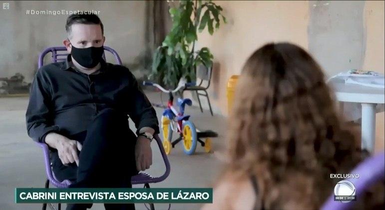 Esposa do serial killer concede entrevista exclusiva a TV Record – Foto: Domingo Espetacular/Record TV/divulgação