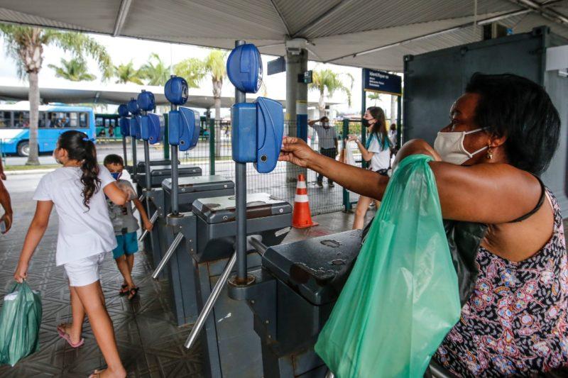Trabalhadores da Capital terão acesso gratuito à ônibus municipais para quem for vacinar no dia – Foto: Arquivo/Anderson Coelho/ND
