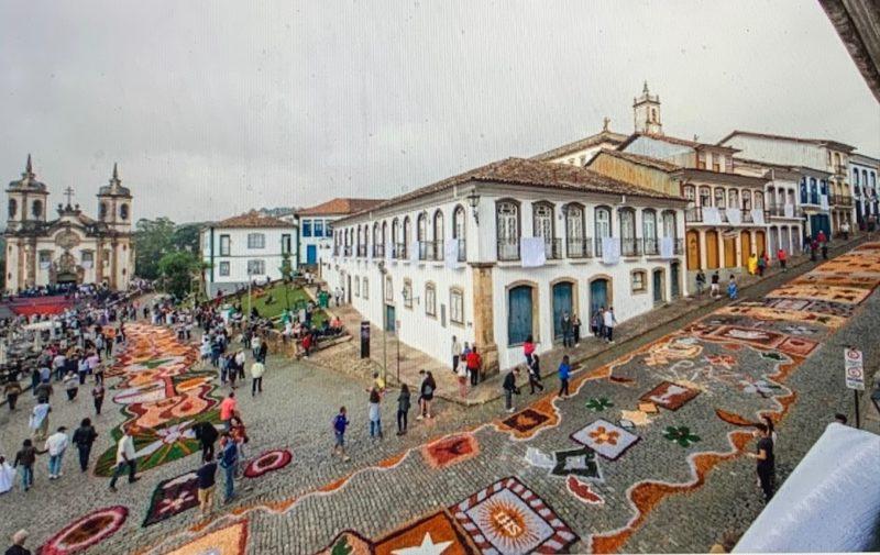 Ouro Preto confecciona tapetes artísticos – Foto: Divulgação