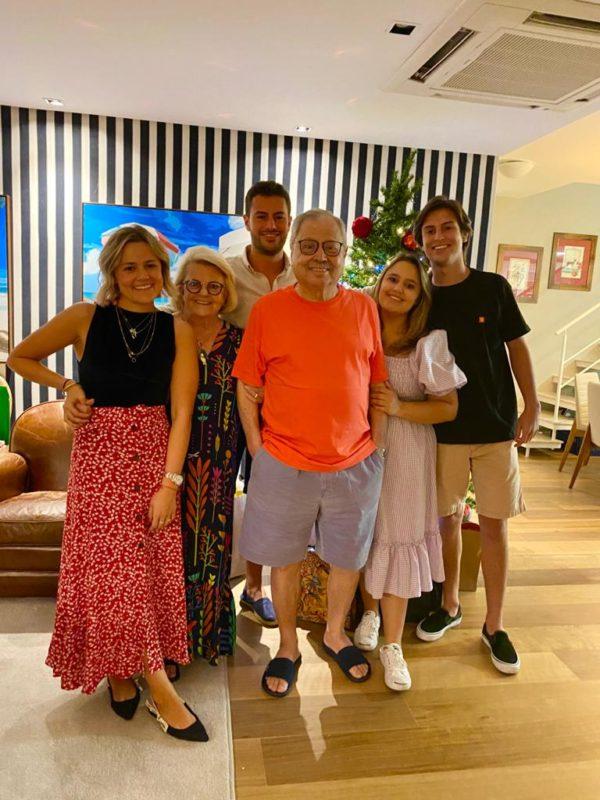 PCR com esposa Arlete e os quatro netos Sofia, Vitor, Olívia e Bruno – Foto: Arquivo