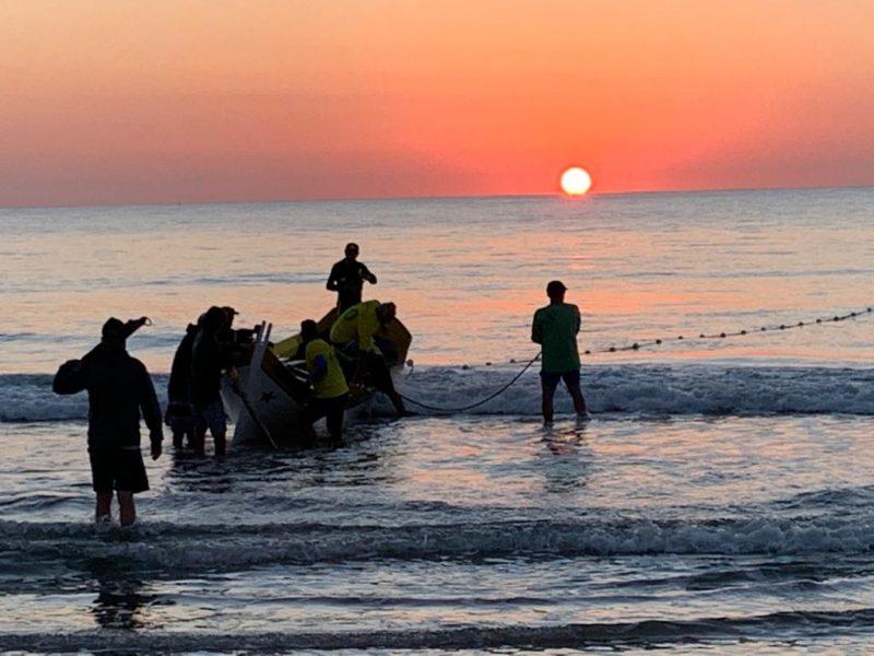 Pesca da tainha na Barra da Lagoa – Foto: Leandro Silva/Divulgação/ND