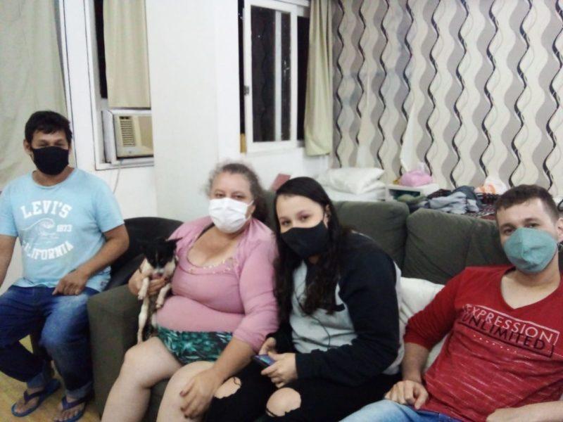 Família do Rio Tavares foi acolhida em hotel pela prefeitura após alagamentos no bairro – Foto: PMF/Divulgação/ND