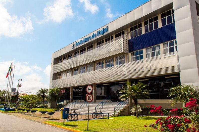 Depois: a atual prefeitura de Itajaí também fica no Centro, e foi construída especificamente para abrigar a sede do governo Municipal – Foto: Arquivo/Bruno Golembiewski/ND