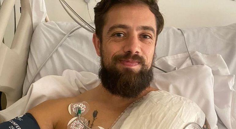 Rafael Cardoso implantou desfibrilador cardíaco para evitar morte súbita – Foto: Reprodução Instagram