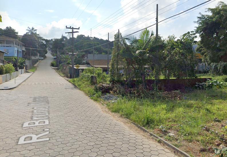 Vítima desembarcava de ônibus quando foi abordada pelo agressor – Foto: Reprodução/Google Maps/ND