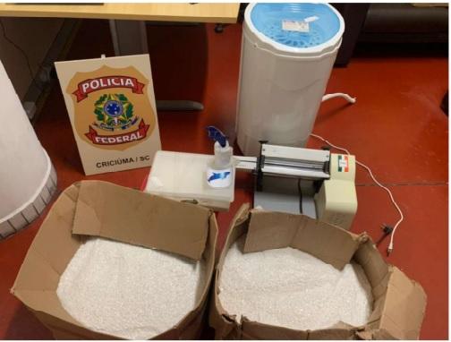 PF encontrou um laboratório de produção de cocaína em Treze de Maio, no Sul de SC – Foto: Divulgação/PF/ND