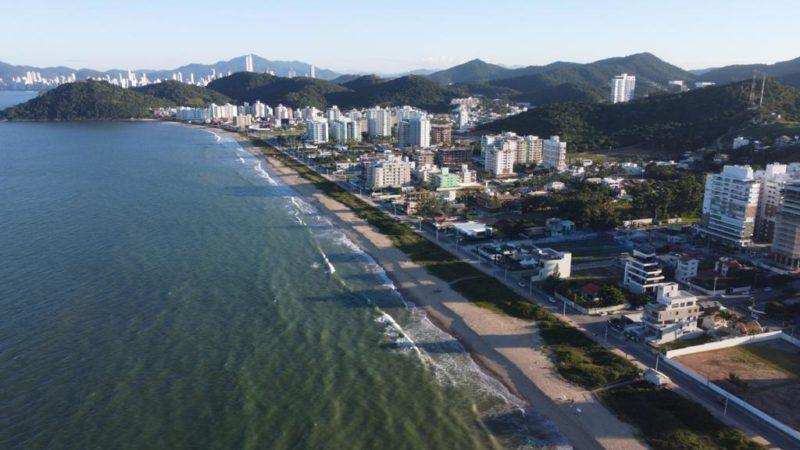 Sombra na Praia Brava, em Itajaí, às 16h, em abril de 2021 – Foto: Divulgação