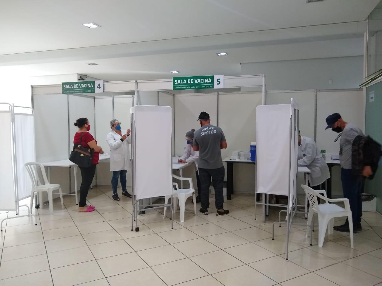 Já foram vacinados em Chapecó 60 mil pessoas com a primeira dose e 23 mil com a segunda dose - Carolina Debiasi/ND