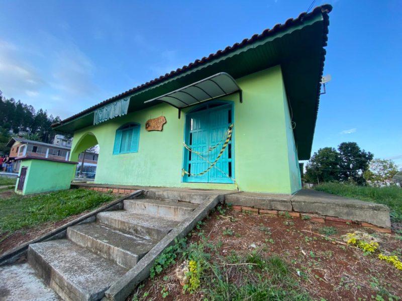 Crime ocorreu no salão de beleza da vítima que fica localizado em frente destacamento da Polícia Militar na cidade de Paial, no Oeste catarinense – Foto: Willian Ricardo/ND