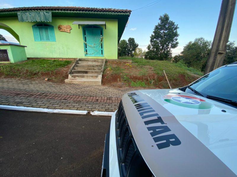 Crime ocorreu no salão de beleza da vítima. – Foto: Willian Ricardo/ND