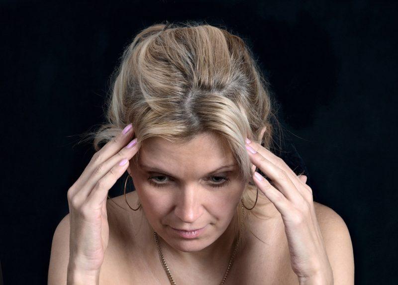 Dor de cabeça recorrente exige tratamento – Foto: Reprodução/Pixabay