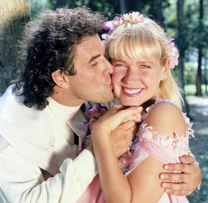 Xuxa e Sérgio Mallandro contracenaram juntos no filme Lua de Cristal em 1990 – Foto: Redes sociais/Reprodução/ND