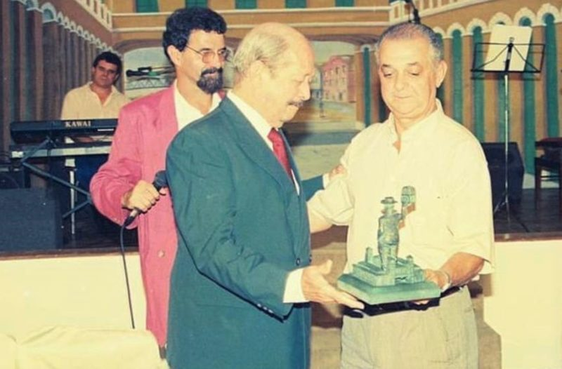 Entrega do troféu Manezinho da Ilha 1997 – Foto: Divulgação/ND