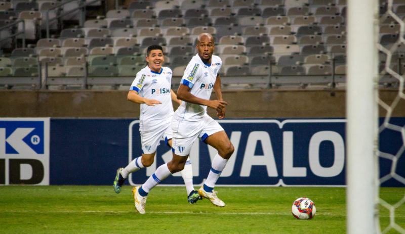 Jonathan Copete (D) é o destaque do Avaí na Série B – Foto: André Palma Ribeiro/Avaí FC/ND