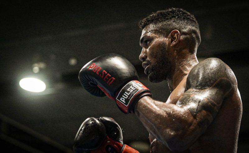 Abner Teixeira avança no boxe – Foto: Rafael Bello/COB