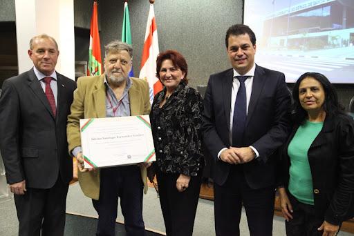 Barão recebeu o título de Cidadão Catarinense – Foto: Alesc