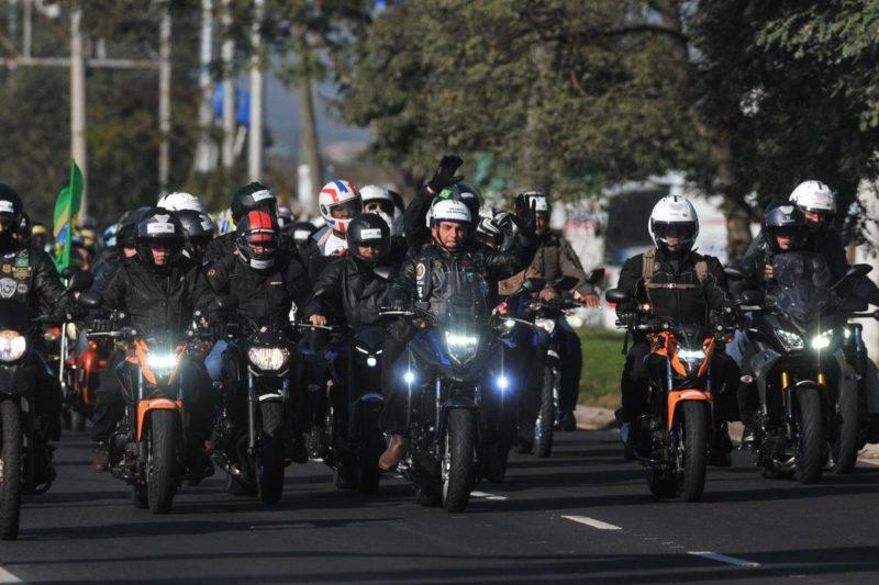 Confirmados ponto de partida e horário da motociata de Bolsonaro em Florianópolis