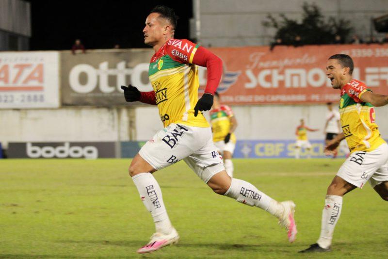 Artilheiro da equipe, Edu é a esperança de gols para o time reencontrar o caminho das vitórias – Foto: Lucas Gabriel Cardoso/BFC