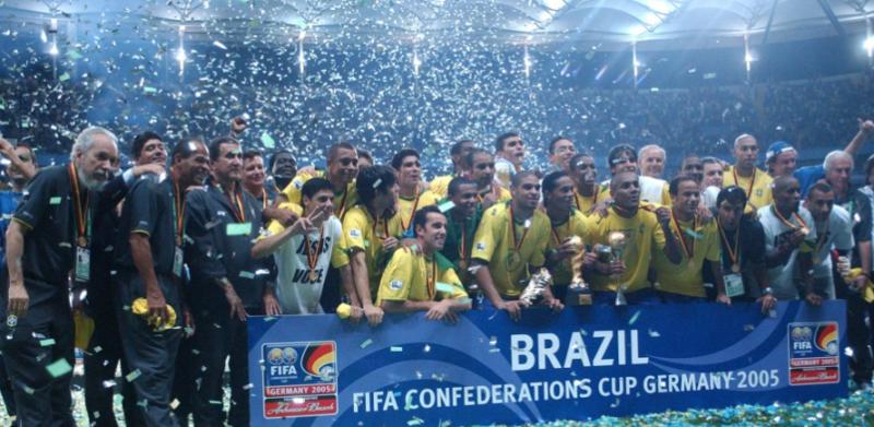 Brasil meteu quatro na Argentina na final da Copa das Confederações de 2005 – Foto: CBF/Divulgação