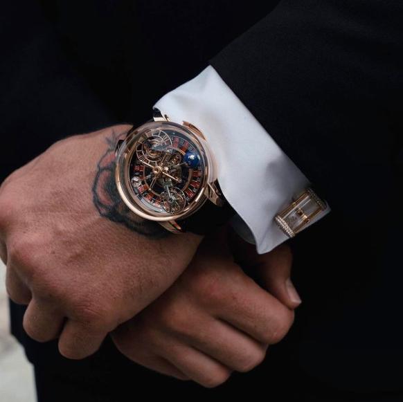 O Astronomia Tourbillon Baguette, fabricado pela Jacob & Co, é um dos relógios mais caros do mundo – Foto: Reprodução/ND