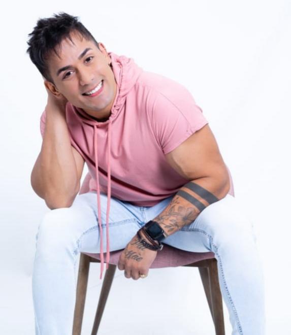 O cantor fará uma faloplastia em uma clínica de Blumenau – Foto: Divulgação/ ND
