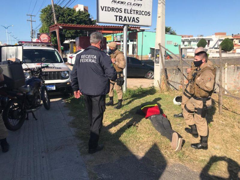 Homem é preso em flagrante em Florianópolis – Foto: Divulgação/Receita/ND
