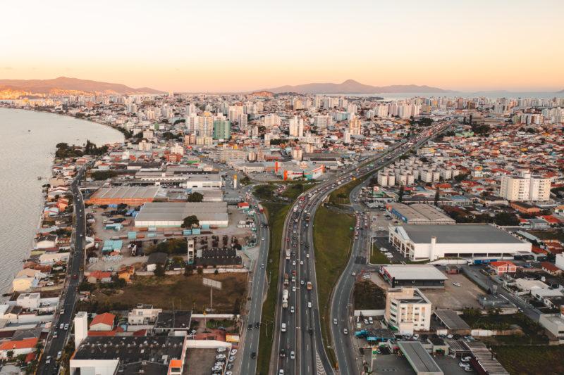 """A BR-101 é a<span style=""""font-weight: 400;""""> peça fundamental na engrenagem econômica do Brasil</span> &#8211; Foto: José Somensi Fotografia/ND"""