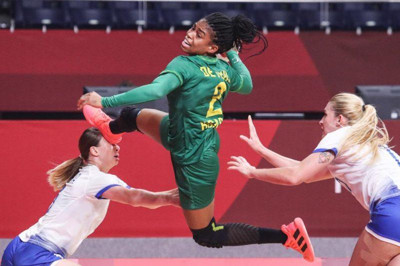 Handebol feminino, em grande atuação, empatou com as atuais campeãs olímpicas – Foto: Wander Roberto/COB/divulgação