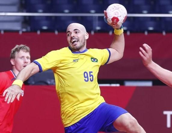 Seleção brasileira de handebol masculino perdeu a segunda em dois jogos; situação complicada – Foto: COB/divulgação