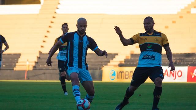 Figueirense pressionou na segunda etapa, mas não conseguiu chegar ao gol de empate – Foto: Patrick Floriani/FFC/ND